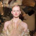 Wetenschappers TU Delft werken mee aan 3D-geprinte jurk van Iris van Herpen